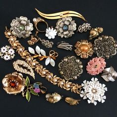 Vintage Flower & Leaf Broken Jewelry Lot Parts Harvest Repair Craft Some Signed  #Unbranded