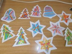 Simple and colorful - braided stars & trees Noel Christmas, Christmas Crafts For Kids, Christmas Projects, Simple Christmas, Holiday Crafts, Christmas Decorations, Craft Projects For Kids, Craft Activities For Kids, Preschool Crafts