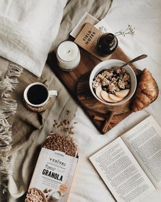 Started today the best way— an early morning bath and then breakfast in bed with they kindly sent this granola which I can… Breakfast At Tiffanys, Breakfast For Dinner, Breakfast Bowls, Breakfast Recipes, Breakfast Photography, Coffee Photography, Food Photography, Morning Photography, Coffee Break