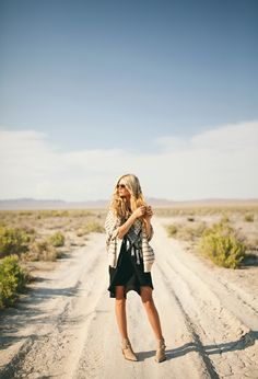 Lost in the desert- Fashion shoot with Amber Fillerup Clark jessica janae fashion photography