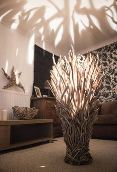 16 Fantastic Driftwood Furniture Ideas www. - 16 Fantastic Driftwood Furniture Ideas www. 16 Fantastic Driftwood Furniture Ideas www. Driftwood Flooring, Driftwood Furniture, Driftwood Lamp, Driftwood Projects, Wood Lamps, Furniture Decor, Driftwood Ideas, Furniture Makers, Diy Projects