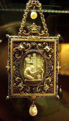 Gold enamelled gem-set pendant containing a mirror | Flickr - British Museum Modern cover with 18th c cameo.