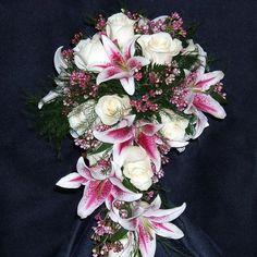 stargazer lily arrangements | Stargazer lily bouquet | #wedding flowers and decor