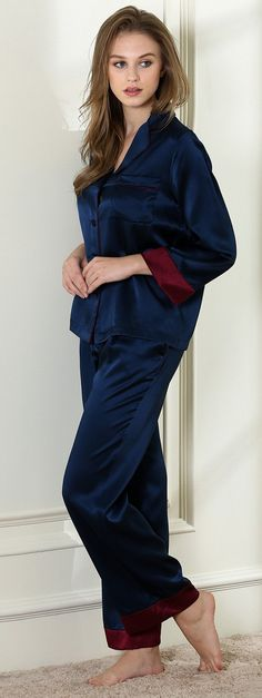 Midnight cha-cha pajama set 19 momme 100% silk satin!Let the power of nature wake you to a new day in your favorite PJ set! Our Morning Glory two-piece pajama sets feature easy fit styles for extra comfy and warmth. With a wide range colors to choose from, we are sure there is one just right for you.