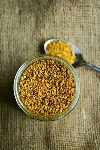 How to store Bee Pollen, how to store bee Bread? Make sure to read this post so your bee pollen doesn't go to waste. Propolis, Natural Colon Cleanse, Organic Superfoods, Hormone Imbalance, Lose Weight Naturally, Natural Health Remedies, Protein Sources, Chili, Beekeeping