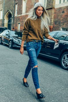 Perfect Fall look: sweater+denim+amazing shoes |Tommy Ton - Archive