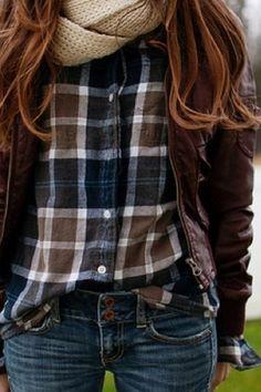 Fall look. Leather jacket, chunky scarf + plaid