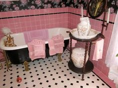 beautiful pink bathroom for tumbler girls