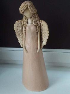 Keramicka andělka Clay Angel, Pottery Angels, Polymer Project, Angel Sculpture, Butterfly Fairy, Fairy Wings, Clay Art, Ceramic Pottery, Polymer Clay
