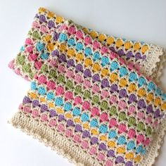 I love love making this baby blanket called Princess bubblegum. They are perfect gift for baby shower or adding a new refreshing color to the nursery.