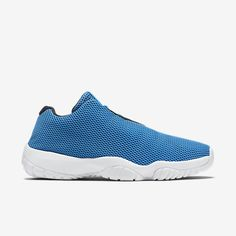 ICONIC STYLE The Air Jordan Future Low Men's Shoe is made with a reflective mesh upper and a Phylon midsole for an elevated off-court look and a comfortable, cushioned fit. Benefits Mesh upper with reflective coating for lightweight support, breathability and style Phylon midsole with encapsulated Air-sole unit for lightweight cushioning and support Glass composite midfoot shank for support and torsional rigidity Translucent and solid rubber outsole with herringbone pattern for durability…