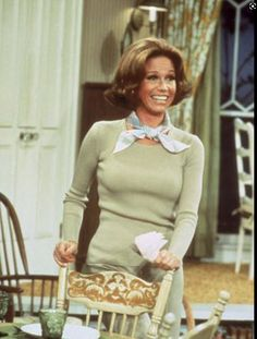 Old Tv Shows, Movies And Tv Shows, Mejores Series Tv, Mary Tyler Moore Show, Vintage Tv, Vintage Soul, Vintage Fashion, Women's Fashion, Por Tv