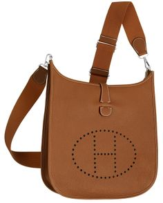 Hermes - Evelyne III, cross body bag in tan brown leather. Front View.