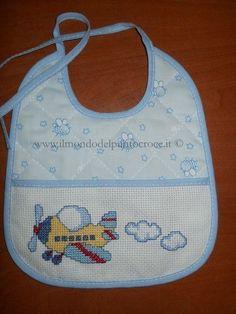 bavaglini a punto croce ile ilgili görsel sonucu Cross Stitching, Cross Stitch Embroidery, Embroidery Patterns, Cross Stitch Patterns, Hand Embroidery, Cross Stitch For Kids, Cross Stitch Love, Bib Pattern, Crafty Projects