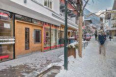 Entrance and street view of Chalet Amalien Haus, St Anton. Ski holidays with flexiski.