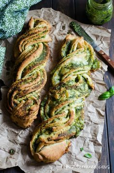 Braided Basil Pesto Bread -- just one more reason that basil is the best stuff o. Braided Basil Pesto Bread -- just one more reason that basil is the best stuff o. Braided Basil Pesto Bread -- just one more reason that basil is the best stuff on earth Good Food, Yummy Food, Tasty, Fingers Food, Braided Bread, Basil Pesto, Green Pesto, Food Porn, Food And Drink