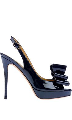 Valentino pumps in blue Stilettos, High Heels, Pretty Shoes, Beautiful Shoes, Shoe Boots, Shoes Heels, Hot Shoes, Valentino Shoes, Valentino Couture