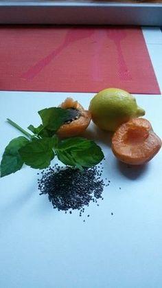 Meruňkové Smoothie s chia semínky Smoothies, Ethnic Recipes, Food, Smoothie, Essen, Meals, Yemek, Smoothie Packs, Eten
