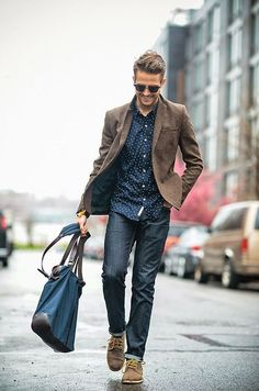 As much as I hate to admit it, fall is fast approaching.  How are you in  the sport coat department?  Personally, I could use a few more casual sport  coat options so I've been looking around.  I like the sport-coat-with-jeans look because it's so versatile, so I've  put together some inspirati