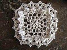 Sunshine Dishcloth - from the kidney bean (flickr) via The Crochet Dude