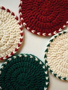 안녕하세요. 야나에요. 해피코튼으로 만드는 티코스터! 티코스터에서 많이 뜨는 기본 원형 코스터 패턴에서... Crochet Crafts, Crochet Projects, Knit Crochet, Diy And Crafts, Crafts To Sell, Crochet Coaster Pattern, Coaster Holder, Christmas Crochet Patterns, Crochet Kitchen