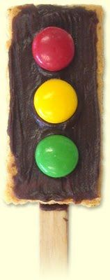 transportation theme snack - stop light (graham cracker, frosting, M's)