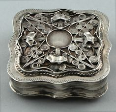 Antique Dutch silver pill box with filigree carved lid, 1864