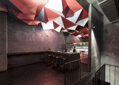 Construido por Tzou Lubroth Architekten en Vienna, Austria con fecha 2012. Imagenes por Jochen Fil. | Descripción  If dogs run free es un bar en el Gumpendorfer Straße en el distrito 6 de Viena, co-propiedad de una ac...