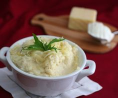 Sour Cream and Cheddar Mashed Cauliflower Shared on https://www.facebook.com/LowCarbZen