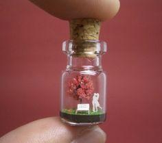 Tiny Worlds in a Bottle von Akinobu Izumi