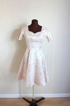 Vintage 1950's Pale Pink Ivory Fanfare Wedding Dress, Engagement Dress, Brocade Party Dress (xs-s)