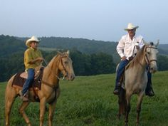 Natchez-Trace Riding Stables provides an intimate opportunity to experience horseback riding without any pomp and circumstance. Trail Riding Horses, Horse Riding Boots, Riding Stables, Horse Riding Tips, Riding Hats, Brown Riding Boots, Riding Gear, Horseback Riding Outfits, Natchez Trace