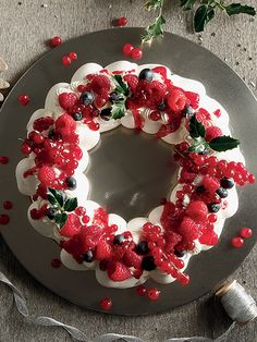 Kai, Ornament Wreath, Christmas Wreaths, Food And Drink, Holiday Decor, Cooking, Sweet, Recipes, Kitchen