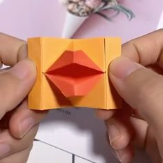 Making lips out of paper craft videos Paper Crafts 💓😽 Paper Craft Making, Paper Crafts Origami, Paper Crafts For Kids, Diy Paper, Diy Crafts Hacks, Diy Crafts For Gifts, Diy Home Crafts, Diy Arts And Crafts, Instruções Origami