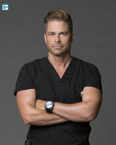Rob Lowe on Code Black. Love his new haircut