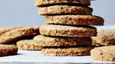 Fuldkornskiks fra Meyers Bageskole Digestive Biscuits, Pan Bread, Bread And Pastries, Bread Recipes, Sweet Treats, Bakery, Food And Drink, Snacks, Desserts