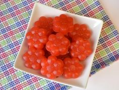 Plaid and Paleo: Paleo Sour Strawberry Gummies