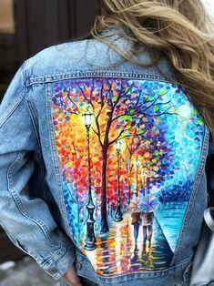 Painted Denim Jacket, Painted Jeans, Painted Clothes, Distressed Denim, Hand Painted Dress, Denim Crafts, Jeans Denim, Diy Jeans, Embellished Jeans