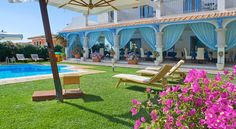 Diana Hotel Santa Teresa Gallura Hotel Diana is a 5-minute walk from the beach and the centre in Santa Teresa Gallura. It offers a free car park and a free garage, plus a garden with large swimming pool and sun terrace.  Rooms are modern, spacious and air conditioned.