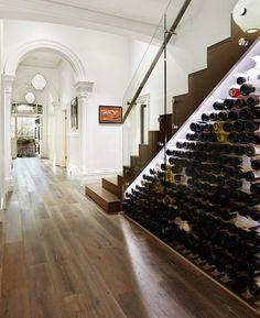 meubles sous escalier pour oenophiles- casier à bouteilles moderne