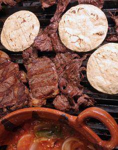 tacos de Arrachera con su salsa!