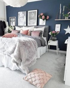 Blue Bedroom Ideas - Set light blue walls with a brilliant silver statement piece for a fantastic unified appearance. Cheer up your blue bedroom by using light blue design as well as white as a Accent Wall Bedroom, White Wall Bedroom, Wall Paper For Bedroom, Blue Feature Wall Bedroom, Dark Cozy Bedroom, Bedroom Color Schemes, Grey Living Room Ideas Colour Palettes, Interior Colour Schemes, Blue And Pink Bedroom