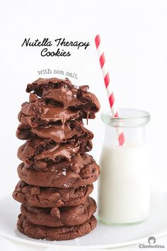 Nutella Therapy Cookies-These feel-good-cookies are studded with chocolate chips, stuffed with Nutella & sprinkled with sea salt.OMG these cookies look heavenly! Nutella Cookies, Chocolate Chip Cookies, Chocolate Chips, Nutella Chocolate, Baking Recipes, Cookie Recipes, Dessert Recipes, Just Desserts, Delicious Desserts