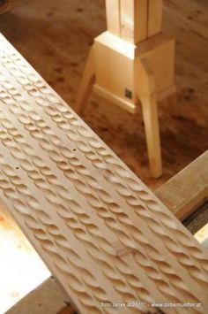 der nat rliche luftreiniger luftbefeuchter aus zirbenholz. Black Bedroom Furniture Sets. Home Design Ideas