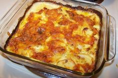 Sage and Potato Cheddar Gratin (Scalloped Potatoes) Sweet Potato Side Dish, Potato Sides, Potato Side Dishes, Scalloped Potato Recipes, Vegetarian Bake, Friend Recipe, Food Shows, Vegetable Dishes, Food Items