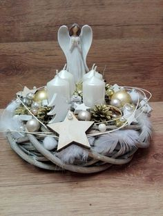 Church Christmas Decorations, Christmas Advent Wreath, Magical Christmas, Christmas Countdown, Christmas Angels, Rustic Christmas, Christmas Time, Christmas Crafts, Candle Arrangements