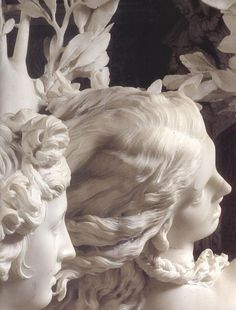 Apollo and Daphne is a life-sized Baroque marble sculpture by Italian artist Gian Lorenzo Bernini executed Housed in the Galleria Borghese in Rome. Sculpture Du Bernin, Bernini Sculpture, Baroque Sculpture, Clay Sculptures, Statues, Art Et Architecture, Inspiration Art, Classical Art, Oeuvre D'art