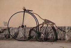 Kuvahaun tulos haulle vanhat polkupyörät Chandelier, Ceiling Lights, Lighting, Home Decor, Candelabra, Decoration Home, Room Decor, Chandeliers, Lights