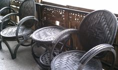 Ahead of us we have no less than 48 DIY Tire Projects meant to aid you and the ones around you deal with recycling old tires and upcycling them . Tire Furniture, Outdoor Furniture Sets, Reuse Recycle, Upcycle, Reuse Old Tires, Recycled Tires, Recycled Rubber, Wall Mount Bike Rack, Tire Art