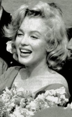 Hollywood Icons, Hollywood Stars, Classic Hollywood, Norma Jean Marilyn Monroe, Marilyn Monroe Photos, Imperfection Is Beauty, Movie Facts, Norma Jeane, True Art